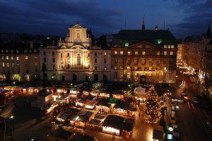 Kerstmarkt am Hof in het centrum van Wenen